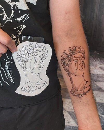 Black´n grey tatuointi luonnos ja valmis työ