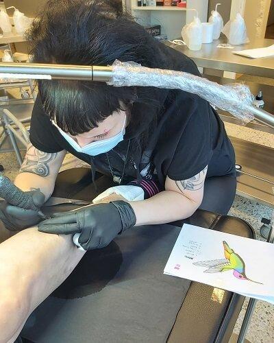 Annikan ensimmäinen tatuointi iholle